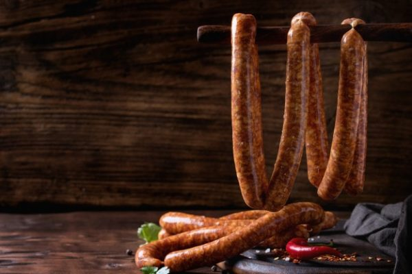 raw-sausages-bbq_72772-1421
